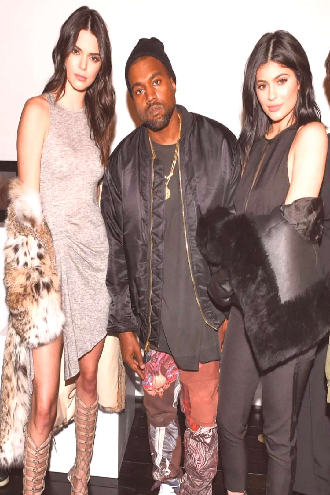 Kendall and Kylie on June 08 2020 and 3 people people standing